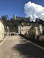 Rue du capitaine Coignet à Druyes surplombée par le chateau.jpg