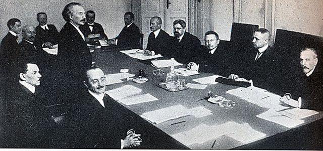 Plik:Rzad RP Ignacego Paderewskiego 1919.jpg