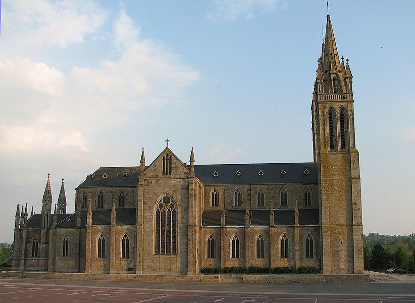 Eglise de Saint-Hilaire-du-HarcouëtSaint-Hilaire du Harcouët church