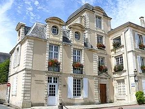 Saint-Maixent-l'École - The town hall in Saint-Maixent-l'Ecole