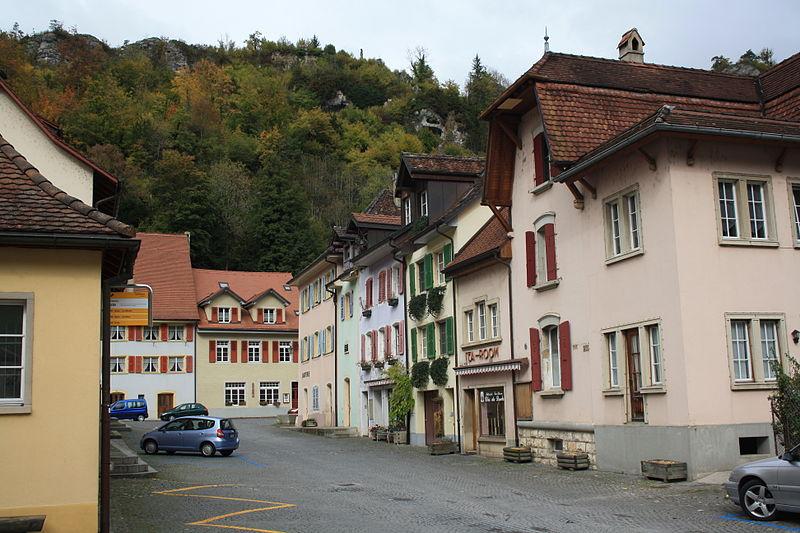 File:Saint-Ursanne 2764.jpg
