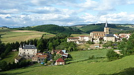 The church and surrounding buildings in Sainte-Colombe-sur-Gand
