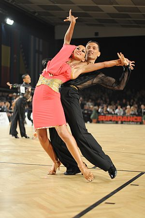 Samba (ballroom dance) - Image: Samba Pizzo d'Albundo 0572