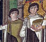 San vitale, ravenna, int., presbiterio, mosaici di teodora e la sua corte 09 due ministri.jpg