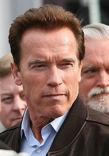 English: Gov. Schwarzenegger visits Old Town E...