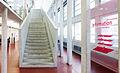 Schweizerische Nationalbibliothek - Ebene1 Treppenaufgang.jpg