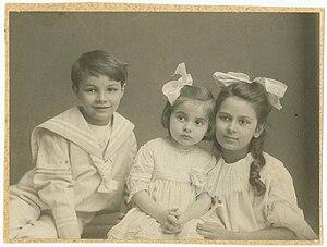 Ariadna Scriabina - Ariadna, Marina and Julian c. 1913