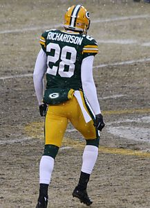 Sean Richardson 28 warming up Green Bay Packers Dec 2013.jpg