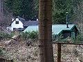 Senohraby, chaty u Mnichovky.jpg
