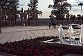 Sevilla Expo 92-Plaza del pabellón de Marruecos-1992 05 05.jpg