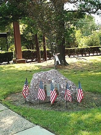 Short Hills station - Image: Short Hills NJT Station Memorial Tree