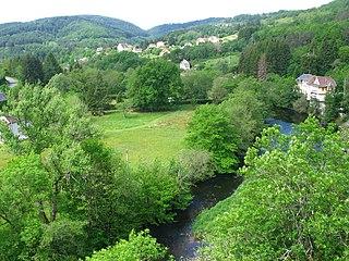 Châteauneuf-les-Bains Commune in Auvergne-Rhône-Alpes, France