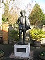 Sir Walter Raleigh - statue - geograph.org.uk - 639007.jpg