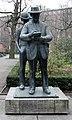 Skulptur Köllnischer Park (Mitte) Heinrich Zille&Heinrich Drake&1965.jpg