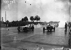 Start of the 1927 Italian Grand Prix.jpg