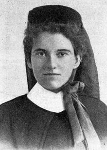 Photo of Elizabeth Kenny in formal attire as a military nurse.