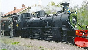 Upsala-Lenna Jernväg - SRJ 28 Stortysken at Lenna Station (in Länna) in June 2005. This is the last of a series of three of the biggest steam locomotives ever built for 891 mm rail gauge.