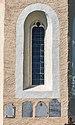 Steuerberg Wachsenberg Pfarrkirche hl. Andreas Apsiswand Grabsteine 24092021 1466.jpg