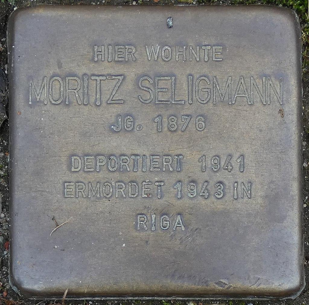 Stolperstein Hauptstrasse 22 legden Moritz Seligmann.jpg