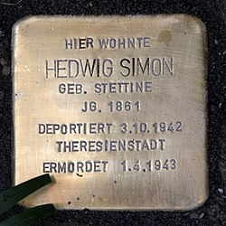 Photo of Hedwig Simon brass plaque
