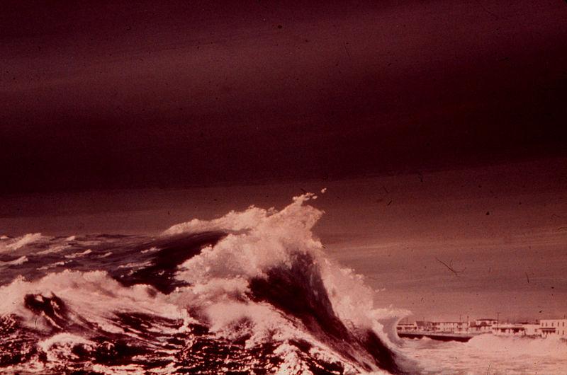 File:Storm surge during hurricane eloise.jpg
