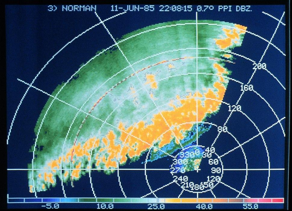Sturmfront auf Doppler-Radar-Schirm