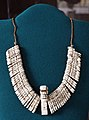 Taiino (haiti), collana di tridacna con al centro uno zemi (divinità o spirito ancestrale), 1500 dc ca. (mus. naz. antropologia, fi).jpg