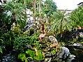 Taipeh Longshan-Tempel Erster Hof Garten 3.jpg