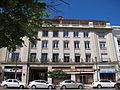 Talca, edificio en plaza (15550296170).jpg