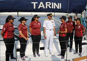 Navika Sagar Parikrama - Naval Chief Admiral Sunil Lanba with the all women crew