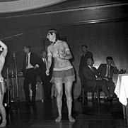 The Ladybirds opptrer i Bergen The Ladybirds performing in Bergen, Norway (1968) (16).jpg