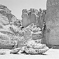 Timna in de Negevwoestijn rotspartij de zuilen van Salomo, Bestanddeelnr 255-3689.jpg