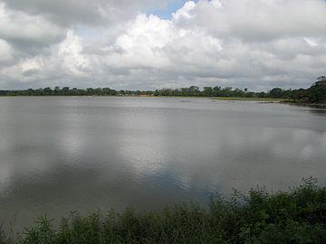 Tissa Wewa, Anuradhapura 089.jpg