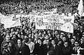Tottenham Hotspurs tegen Atletico Madrid 5-1 Nr 2, 3 en 4 supporters Atletico , Bestanddeelnr 915-1591.jpg