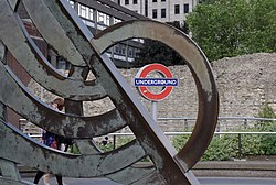 Tower Hill tube station MMB 02.jpg