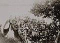 Tropas colombianas embarcándose para ir a Gueppi desde el río Putumayo.jpg