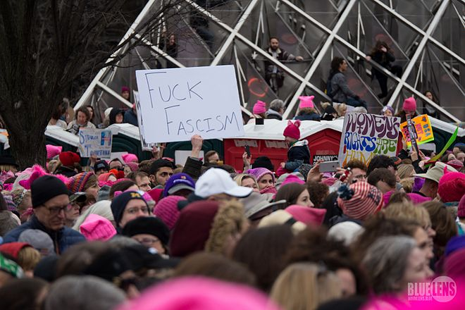 Trump-WomensMarch 2017-top-1060191 (31606476074).jpg