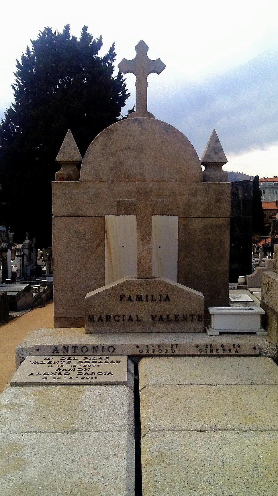 Tumba de Jose Ángel Valente
