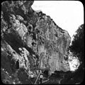 Tunnel et voie, grotte de Baoussé Roussé près de Menton, 1905 (5660871068).jpg