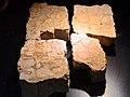 Turicum - Thermengasse - Durch Kalksinter stark verschmutzte Oberflächen von Mosaiken 2010-06-20 19-29-00.JPG