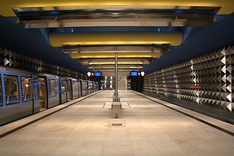 Olympia-Einkaufszentrum (Munich U-Bahn) - U3 platform