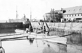 Portsmouth Naval Shipyard - USS L-8 at PNS drydock in 1917