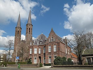 Uden - Image: Uden, de Sint Petruskerk RM25829 foto 4 2012 03 19 15.08