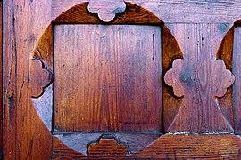 Uranienborg kirke 2011 front door wood carving.jpg