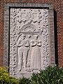 Venray Geijsteren, grote grafsteen tegen St.Willibrorduskerk.JPG