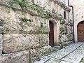 Vicolo BasilicaSpoleto 01.jpg