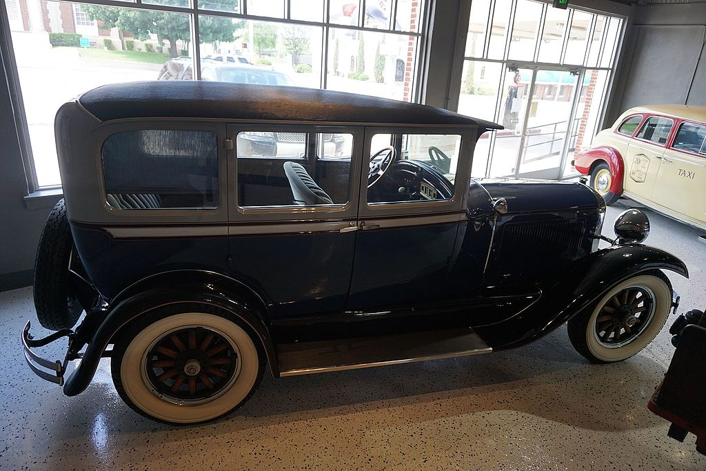 File:Vintage Car Museum & Event Center May 2017 27 (1928 Studebaker ...