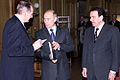 Vladimir Putin in Germany 9-10 April 2002-20.jpg