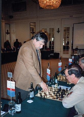 Simultaneous exhibition - Grandmaster Vlastimil Hort giving a simultaneous exhibition, 1997