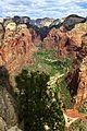 Vue sur la vallée de Zion depuis Angel's Landing -2 (9136840576).jpg